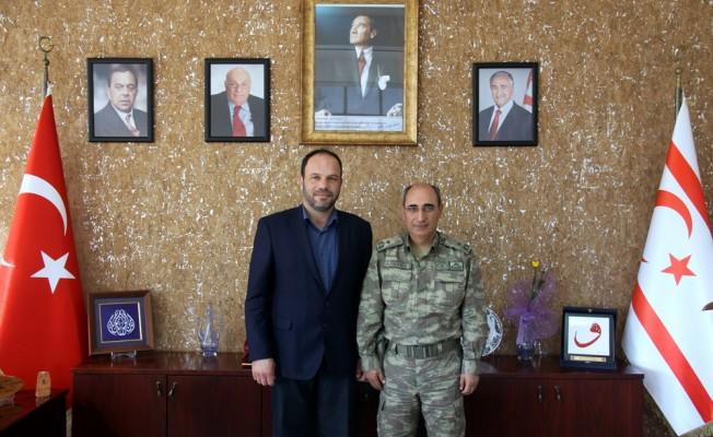 Tuğgeneral Altun, Sadıkoğlu'nu ziyaret etti