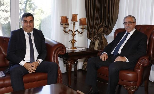 Akıncı, Beyarmudu Belediye Başkanı ile görüştü...
