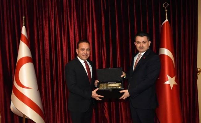 Bakan Şahali İzmir'de Bakan Pakdemirli ile görüştü