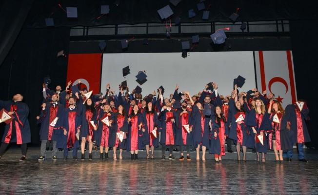 YDÜ Mimarlık Fakültesi mezuniyet töreni yapıldı