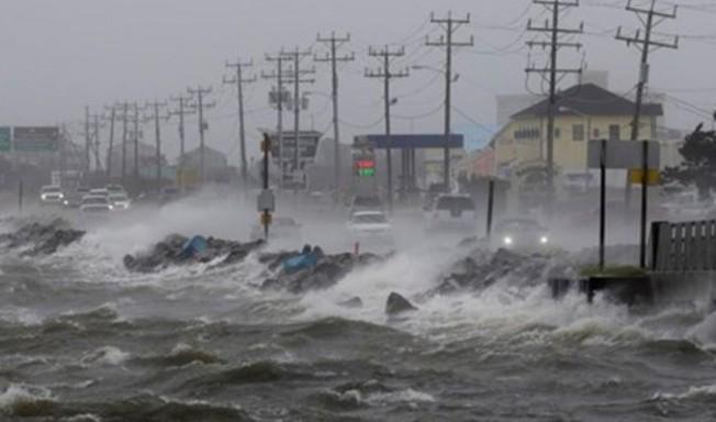 Kasırgadan 8 kişi yaşamını yitirdi