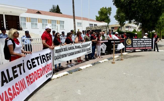 Öğretmenler Meclis önünde eylemde...