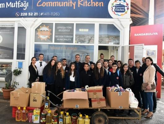 Şehit Turgut Ortaokulu öğrencilerinden Paylaşım Mutfağına destek