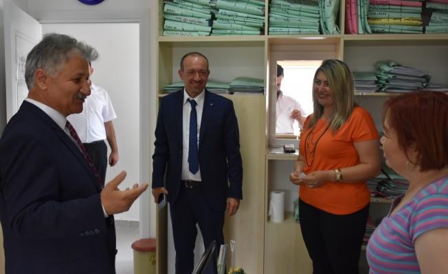 Sağlık Bakanı Pilli personelle tanıştı...