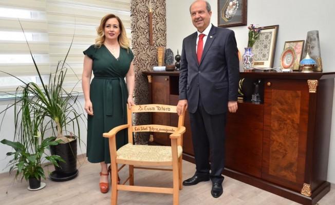 Sibel Tatar Başbakan olan eşine koltuk hediye etti...