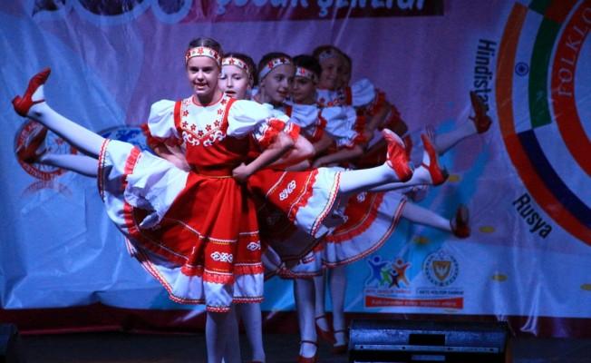 Uluslararası Yaz Sevinci Çocuk Festivali sürüyor...