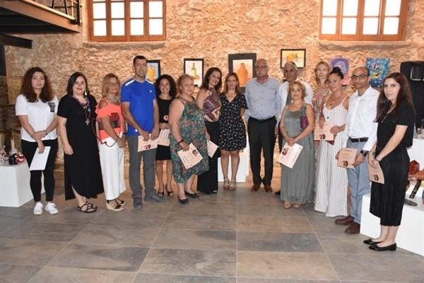 Girne Belediyesi'nin resim ve seramik sergisi açıldı