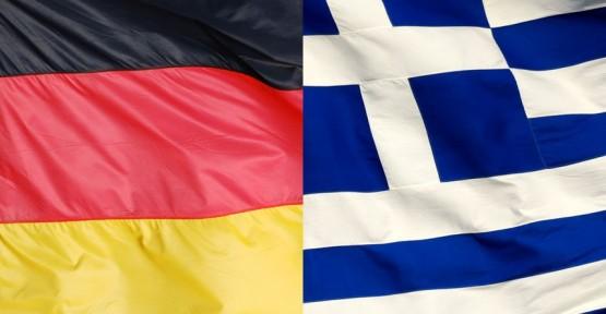 ALMANYA'NIN, YUNANİSTAN'IN EURO BÖLGESİ'NDE KALMASI İLE İLGİLİ TUTUMUNU DEĞİŞTİRDİĞİ İDDİA EDİLDİ
