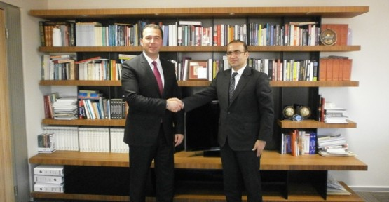 Kaya, Ankara'da SETA Başkanı Özhan ile görüştü