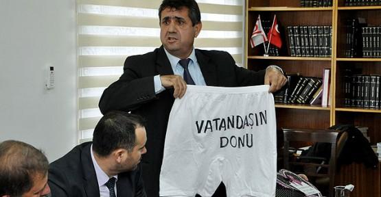 BİRİKİM ÖZGÜR'DEN 'DONCU' SENDİKALARA TEPKİ!