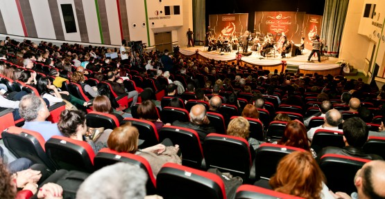 CUMHURBAŞKANLIĞI SENFONİ ORKESTRASI'NDAN ALKIŞ TOPLAYAN PERFORMANS