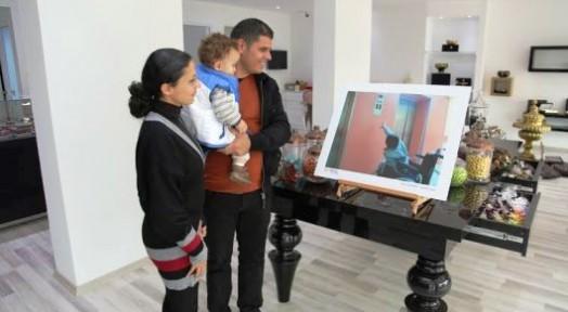 'Sanat Engel Tanımaz' fotoğrafları  vitrinlerde sergileniyor