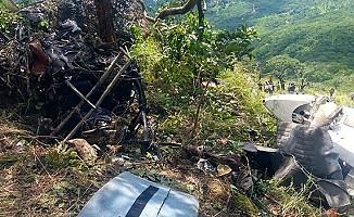 Afrika'da uçak düştü: 6 ölü
