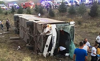 Ankara'da yolcu otobüsü devrildi