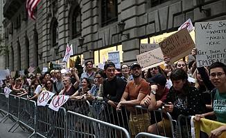 Trump'a protestolu karşılama