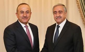 Akıncı, Türkiye Dışişleri Bakanı Çavuşoğlu ile görüştü.