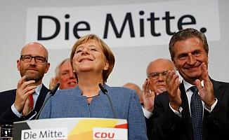 Merkel yine kazandı...