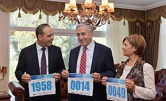 Akıncı ve eşi de maratona katılıyor