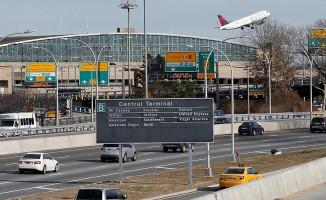 Kızgın yolcu havaalanını boşalttı
