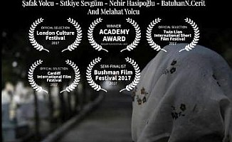 """""""Sedirin Gölgesinde"""" filmi yarı finalist..."""
