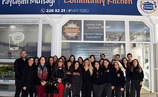 Bülent Ecevit öğrencilerinden LTB'ye gıda yardımı