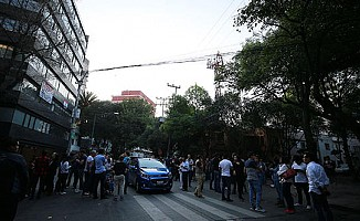 Meksika'da 7,5 büyüklüğünde deprem meydana geldi.