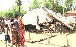 Hindistan'da fırtına: 10 ölü