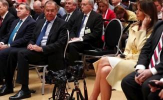 First Lady'i 'kesen' Lavrov alay konusu oldu