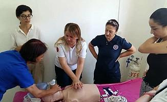 Sağlık merkezlerinde uygulamalı yaşam desteği eğitimleri başladı
