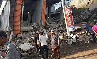 Endonezya'da hayatını kaybedenlerin sayısı 563'e yükseldi.