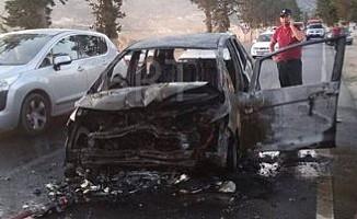 Boğazköy- Gönyeli Anayolu'ndaki trafik kazasında bir araç yandı