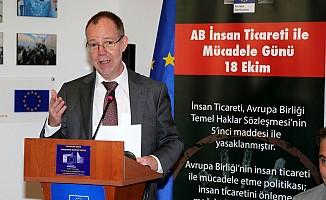 AB İnsan Ticareti ile ilgili panel düzenledi