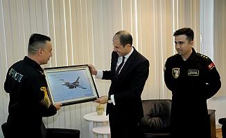 Özersay, Solotürk ekibini kabul etti