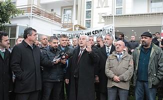"""""""Başbakan Vakıflar İdaresi Müdürüne söz geçiremiyor..."""""""