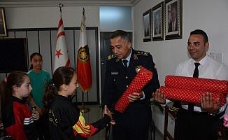 23 Nisan öğrencileri Manavoğlu'nu ziyaret etti