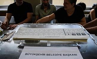 İstanbul seçmeni yeniden sandık başında...
