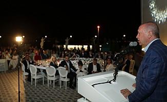 """""""Kıbrıs'taki kardeşlerimizin hakkını, hukukunu kimseye yedirmeyiz"""""""
