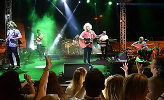 Yeni Türkü Lefkoşa'da konser verdi...