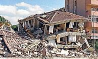 İnsanları deprem değil yıkılan binalar öldürür