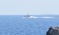 Mülteci taşıyan teknede kurtarma çalışmaları sürüyor