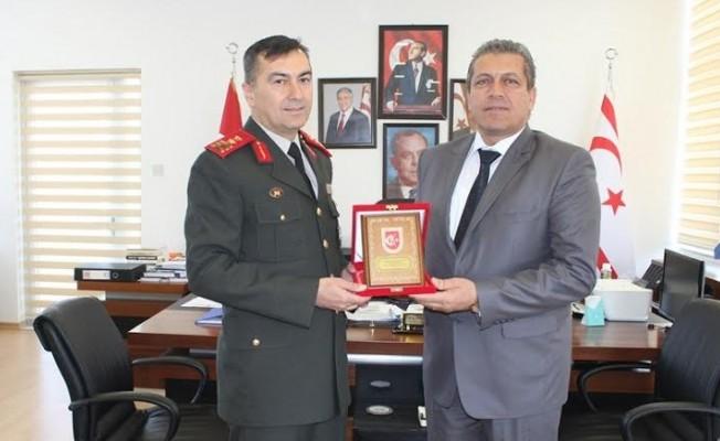 GKK Komutanı Mağusa Belediyesi'ni ziyaret etti...