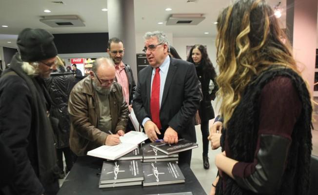 """""""Tiyatronun Sınır İhlali"""" kitabı tanıtıldı"""