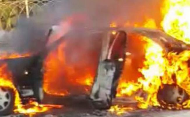 Araç yangını korkuttu...