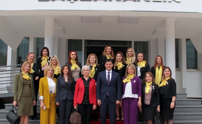 Özgürgün İzmirli İş Kadınları ile görüştü