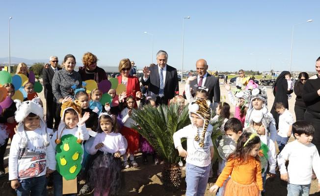 Sanayi Bölgesi girişi ağaçlandırılıyor
