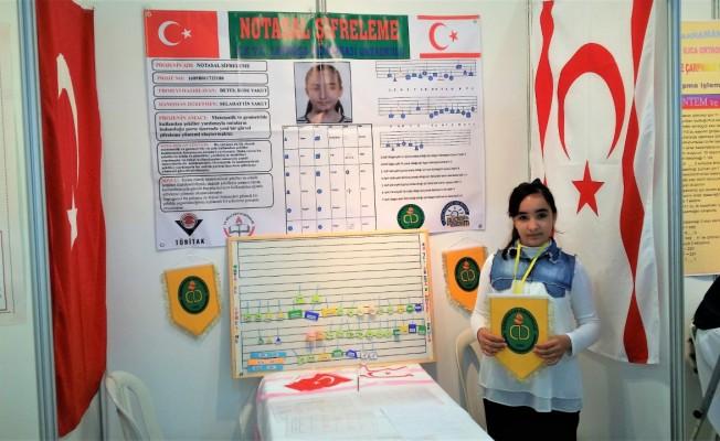 Demokrasi Ortaokulu öğrencisinin başarısı