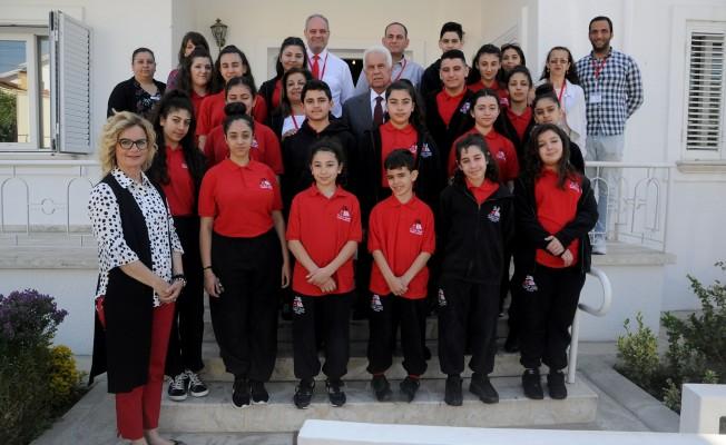 Eroğlu, Londra Dr. Fazıl Küçük Türk Okulu heyetini kabul etti