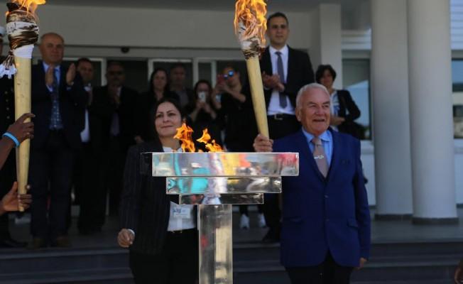 GAÜ'de olimpiyat meşalesi yakıldı...