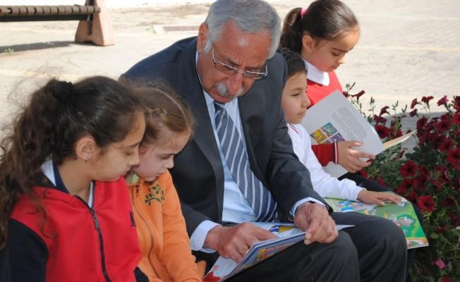 Girne Belediyesi'nden çocuklara okuma şenliği