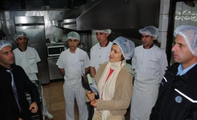 Girne'de 5 restoran mühürlendi...